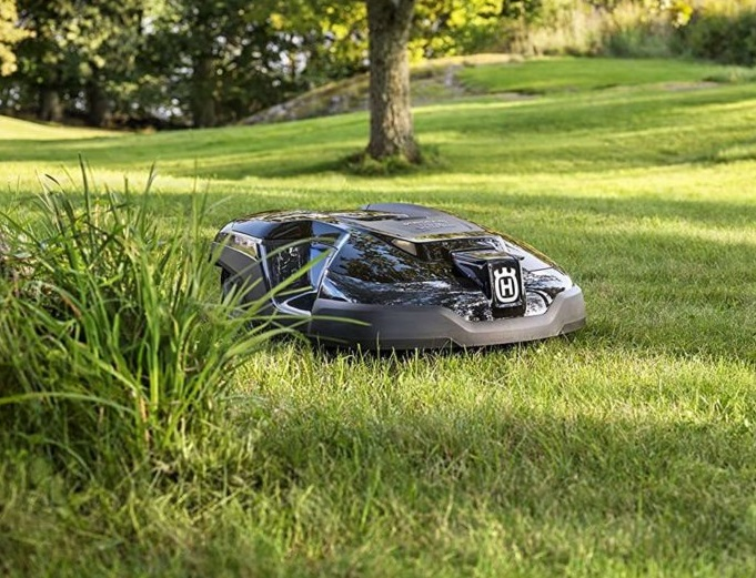 Choose autonomous lawn mower for golf field according to